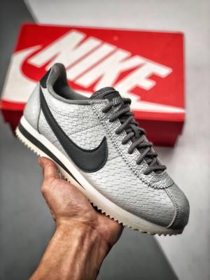 独家套现福利‼️ 两色女鞋 原装公司级  NikeClassic Cortez SE 阿甘黑银