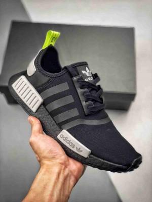 【渠道正品订单 专柜同步上架】 Adidas NMD R1 Logo 专柜同步 网面限定黑绿 原装进口Boost原料