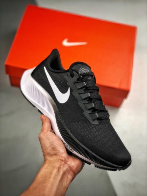 Air Zoom Pegasus 37 飞马系列