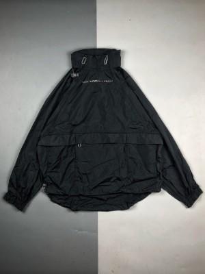 "LV 20SS限量发售""2054""未来系列/冲锋衣"