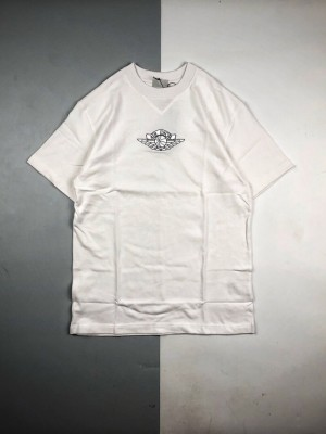 高端零售版本🧐 Dior & Air Jordan联名 20ss 徽标刺绣短袖