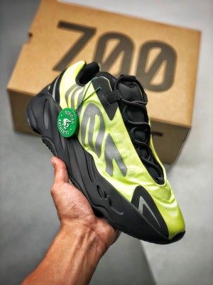 AD Yeezy Boost 700 MNVN  S2纯原生产线 黑绿 3M反光