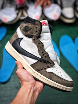 Travis Scott X Air Jordan 1倒钩
