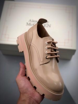 Alexander McQueen 麦昆  拉丝皮革德比鞋 女款 黑色/杏色