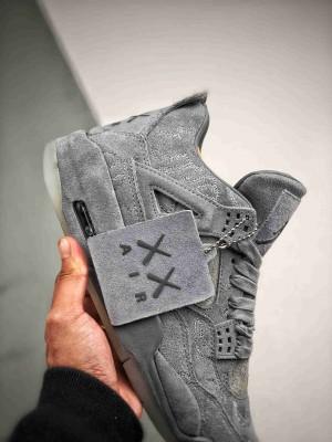 Air Jordan 4 X Kaws 灰麂皮 翻水经典